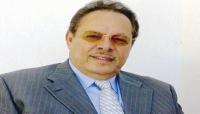 """وسط ترحيب من المؤتمر والحوثيين.. """"على ناصر محمد"""" يطلق من موسكو مبادرة للحل في اليمن"""